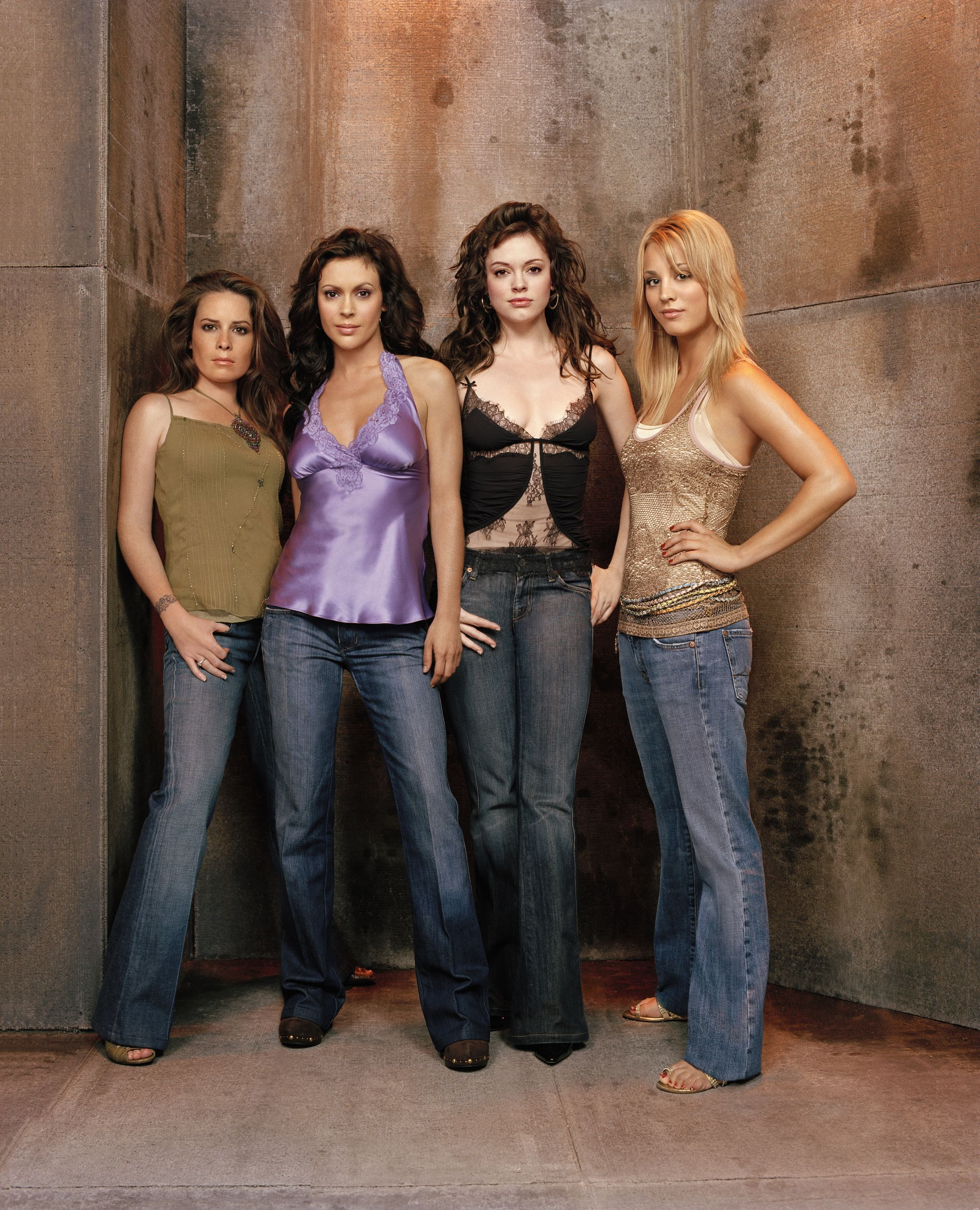 Charmed S8 Cast Holly Marie Combs Piper Halliwell Alyssa Milano Phoebe Halliwell Rose Mcgowan Paige Matthews Kaley Cuoco Billie Jenkins