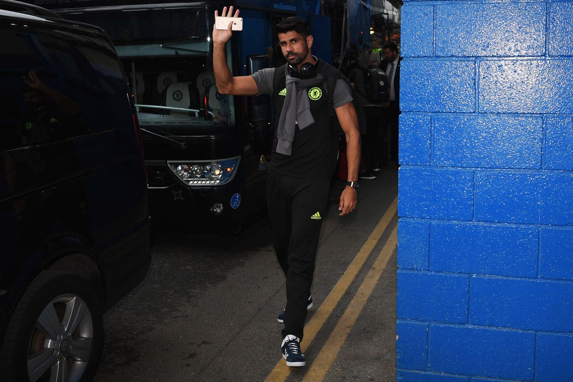 Diego Costa Chelsea príde pred zápasom Premier League medzi Chelsea a Liverpool na Stamford Bridge 16. septembra 2016 v Londýne, Anglicko.