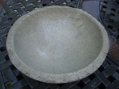 Easy To Make Concrete Bowls And Planters Concrete Bird Bath Concrete Bowl Diy Bird Bath
