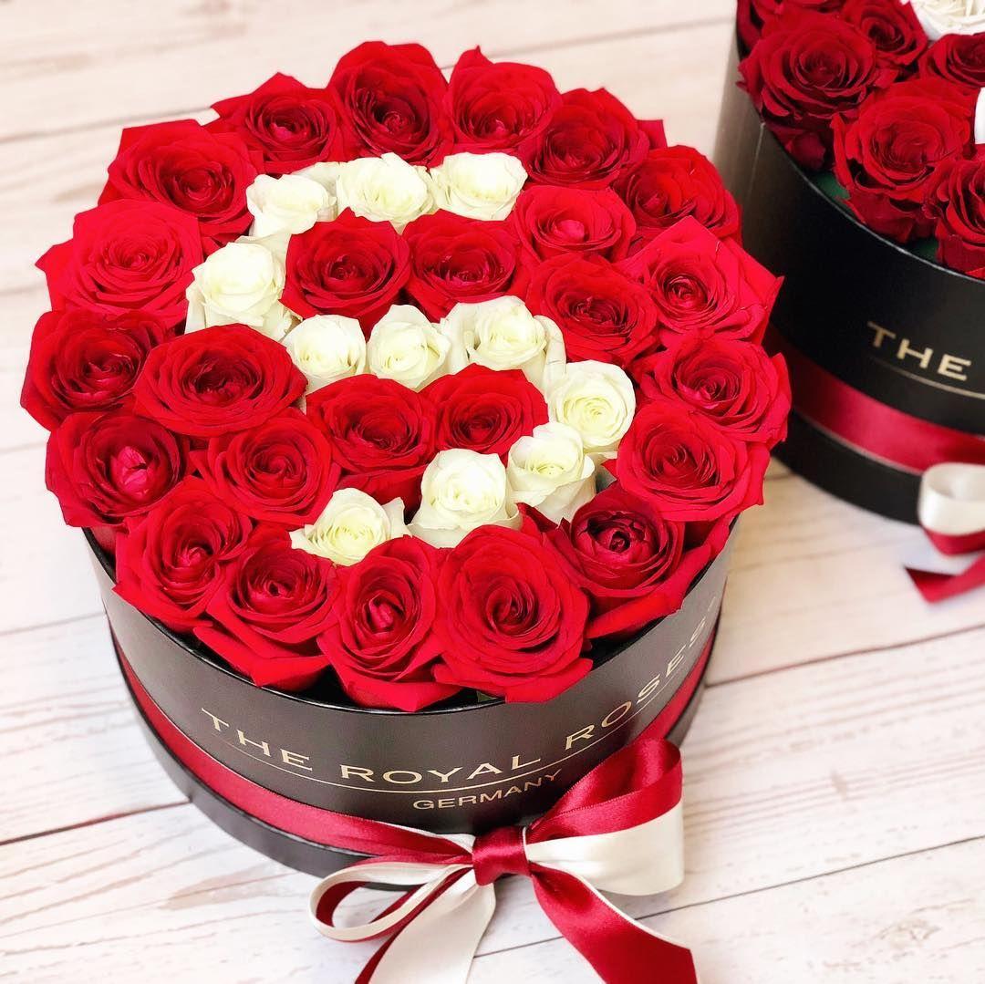 the royal roses rosenbox the royal roses rosenbox flowerbox infinity rosen. Black Bedroom Furniture Sets. Home Design Ideas