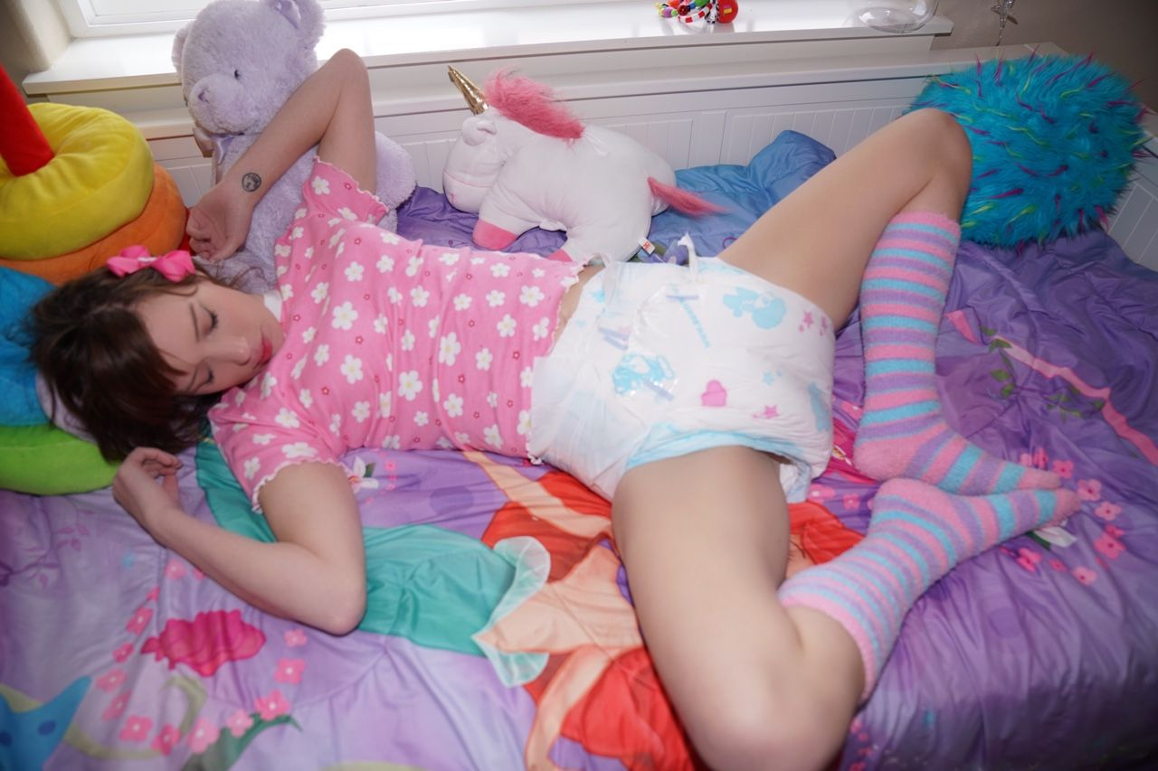 Girl diaper pictures — photo 15