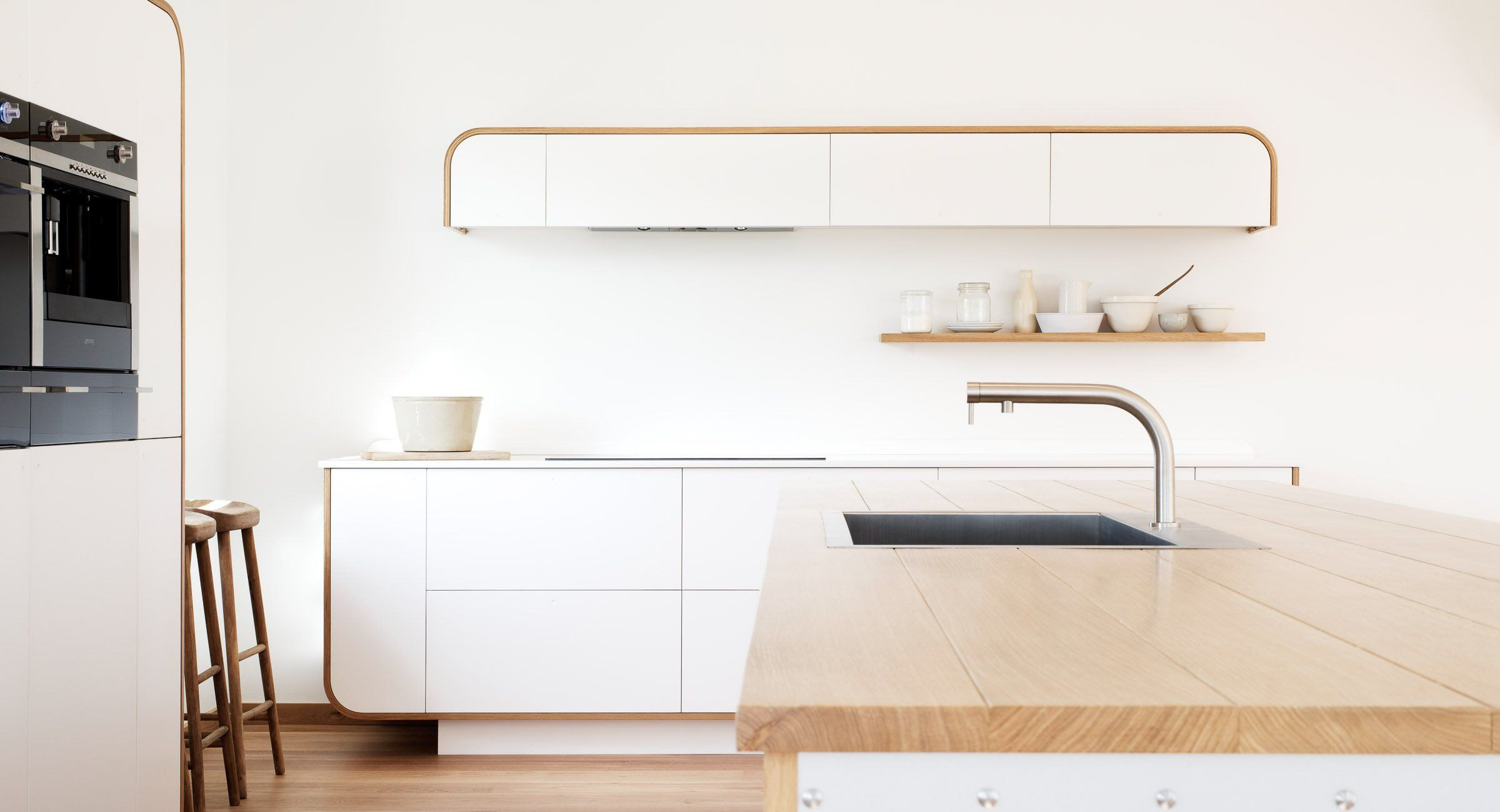 Air Devol Keukens : Air kitchens by devol contemporary designer kitchens inspired by