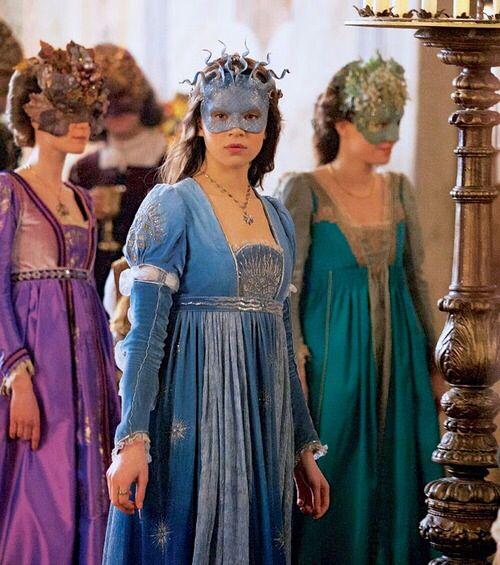 Hailee Steinfeld as Juliet Capulet in Romeo and Juliet (2013).o