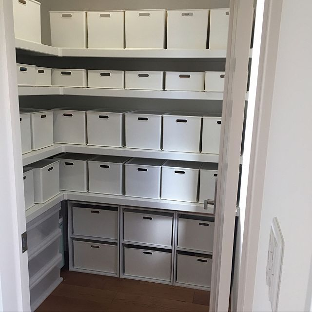 すっきりキッチンに ニトリのインボックスで隠す収納 パントリー