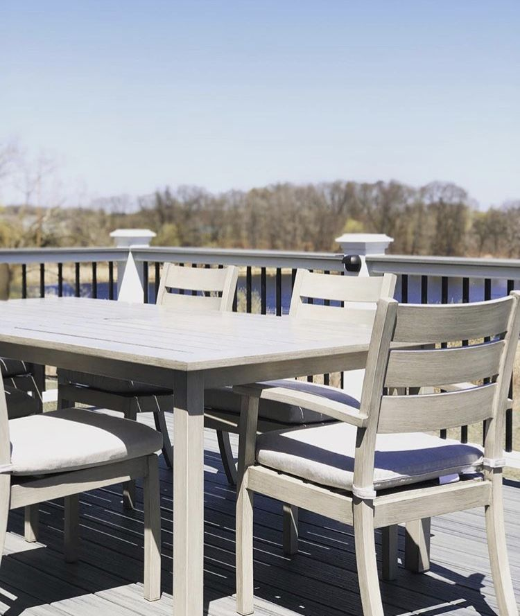 This Is A 100 Aluminum Outdoor Dining Set Looks Just Like Teak