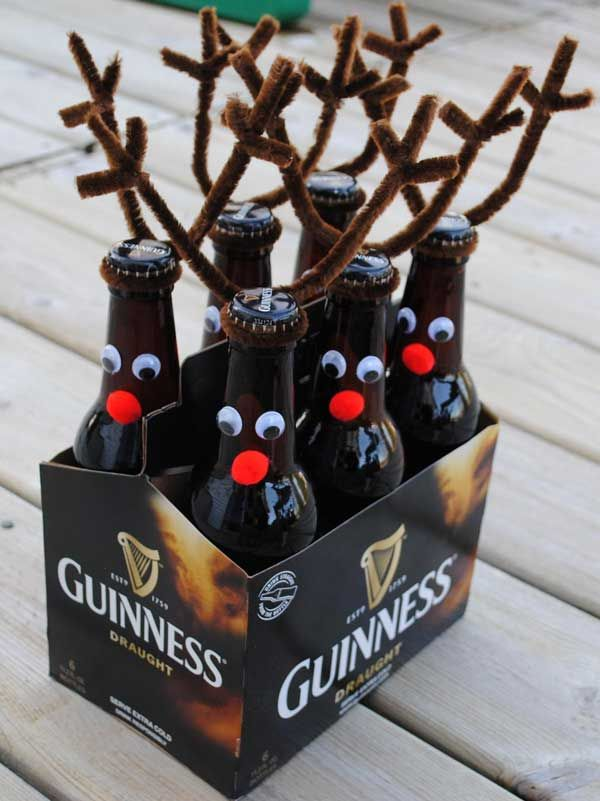 Reindeer rootbeer/beer | DIY Cheap Christmas decorations to make.Good idea for Paul if he's still drinking Guiness