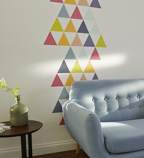 quelques petits triangles de couleur douce pour cr er une. Black Bedroom Furniture Sets. Home Design Ideas