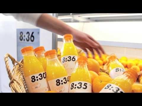 製造した時間でフレッシュさを伝える。 INTERMARCHE - The freshest fresh orange juice brand - YouTube