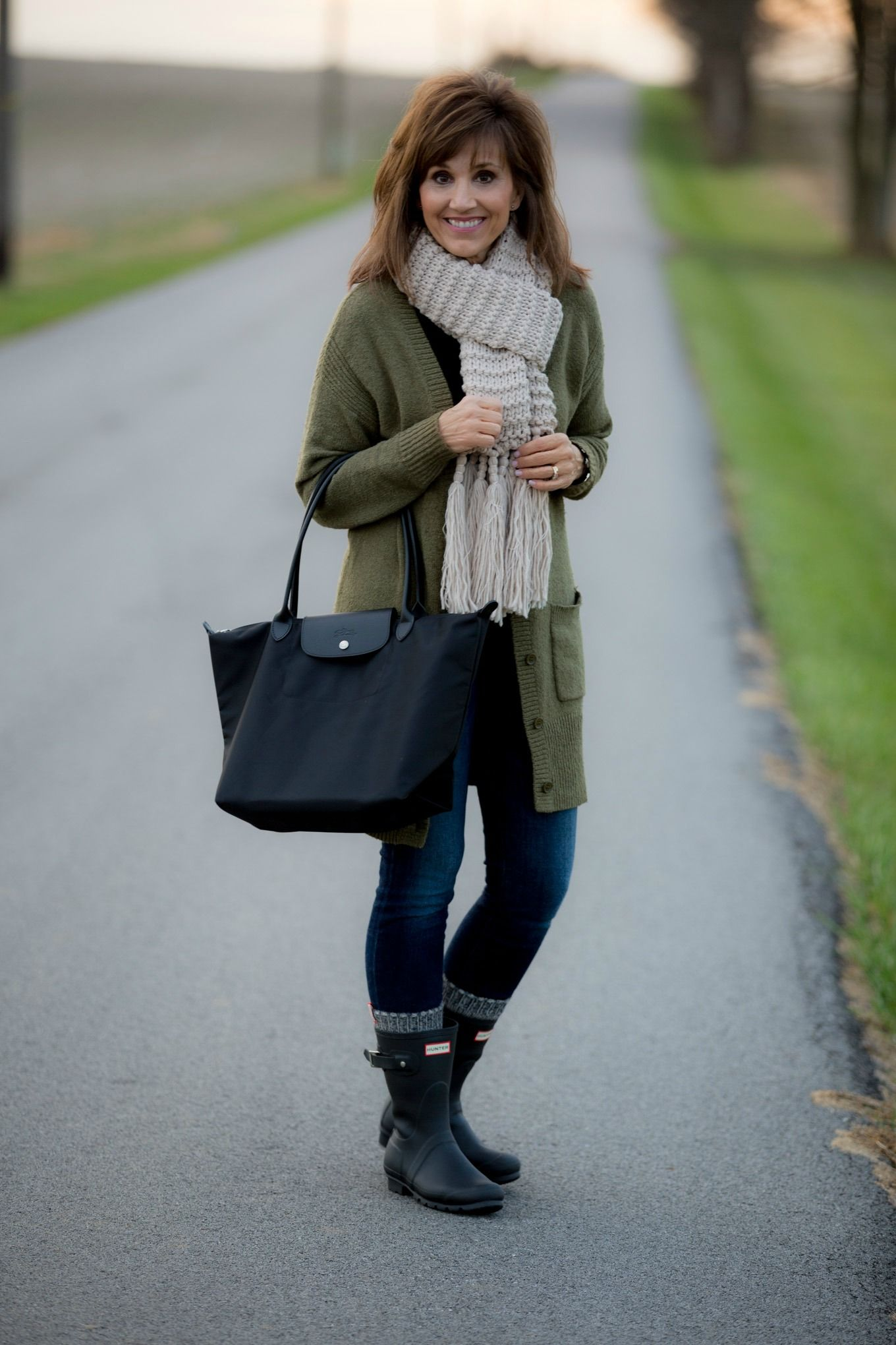 How To Style Hunter Boots-Winter Fashion | Socks, Winter and Short ...