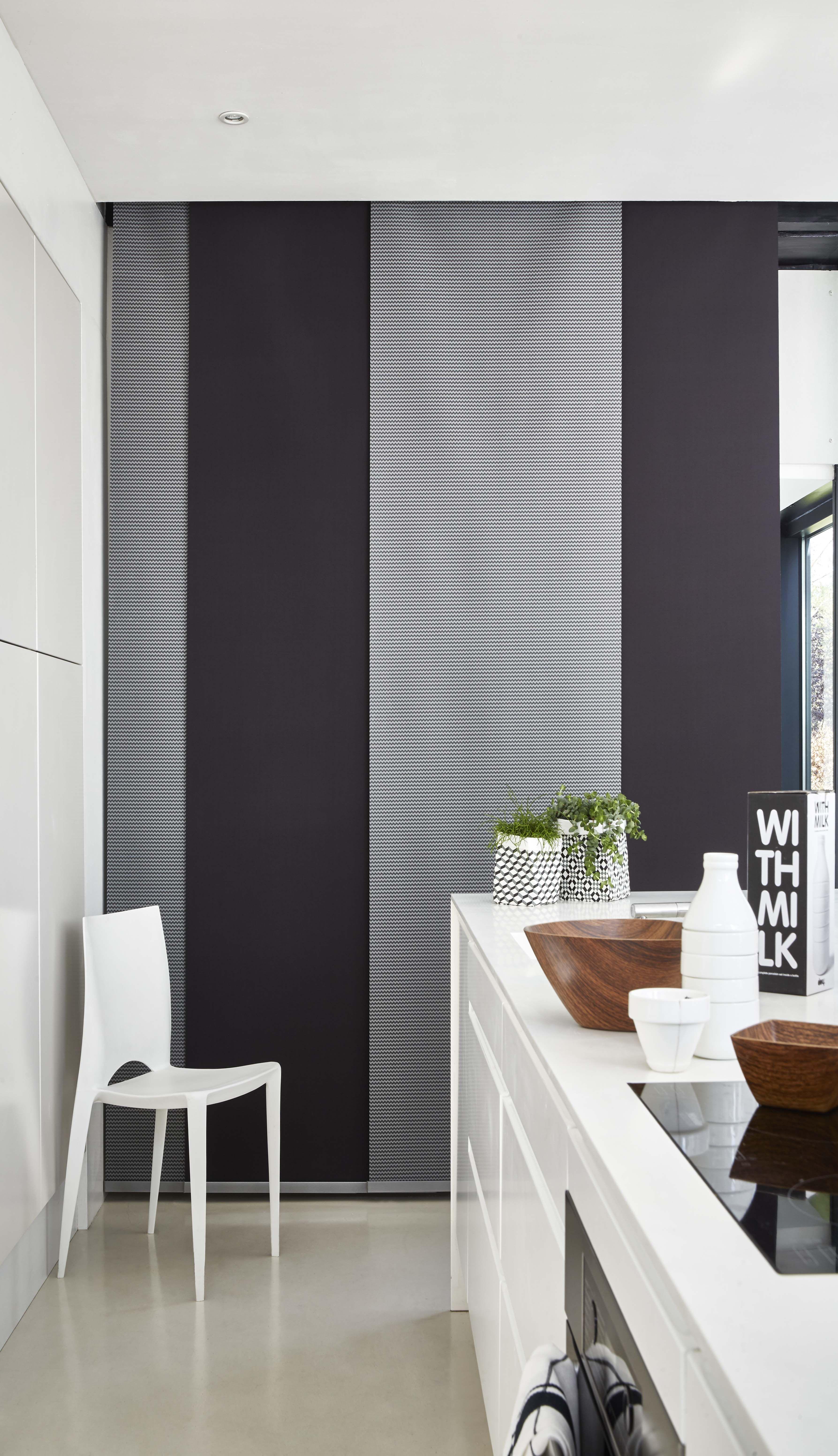 chez vous panneau japonais graphique noir panneau. Black Bedroom Furniture Sets. Home Design Ideas
