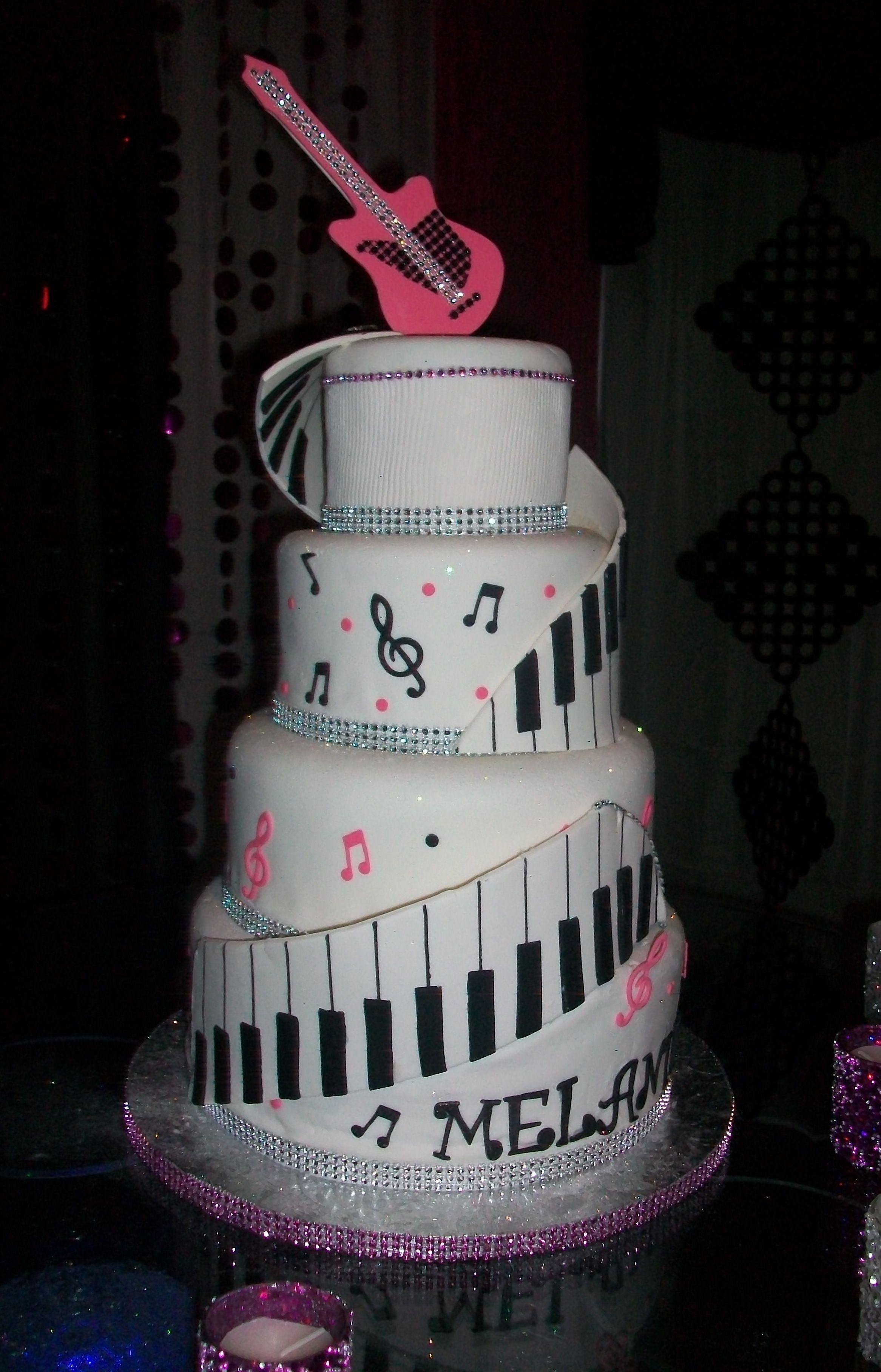 piano themed cakes