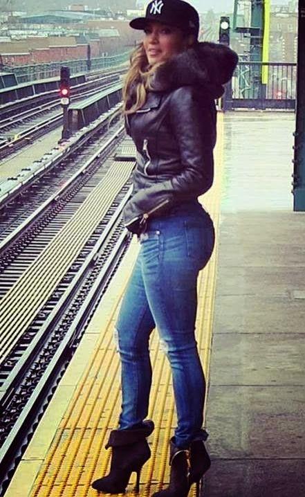Jennifer Lopez, the original butt. Kim K's got nothing on her.