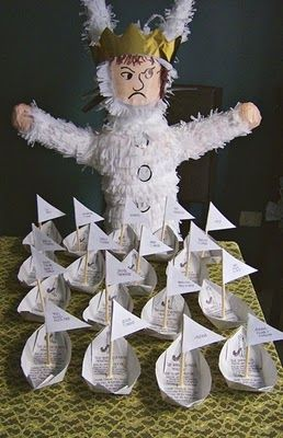 where the wild things are partie handmade piñata and invitations