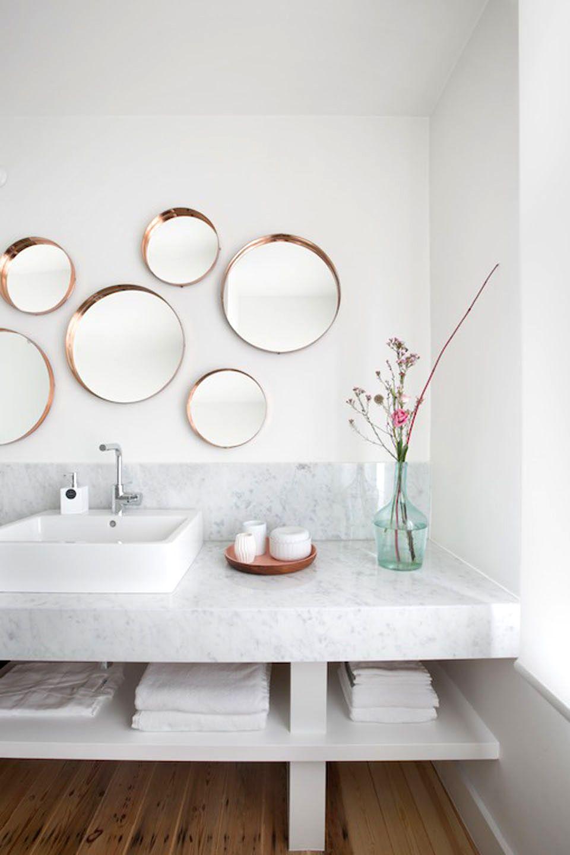 Runde Spiegel Als Deko Elemente Runde Spiegel, Wohnzimmer, Freistehende  Badewanne, Kleine Badezimmer
