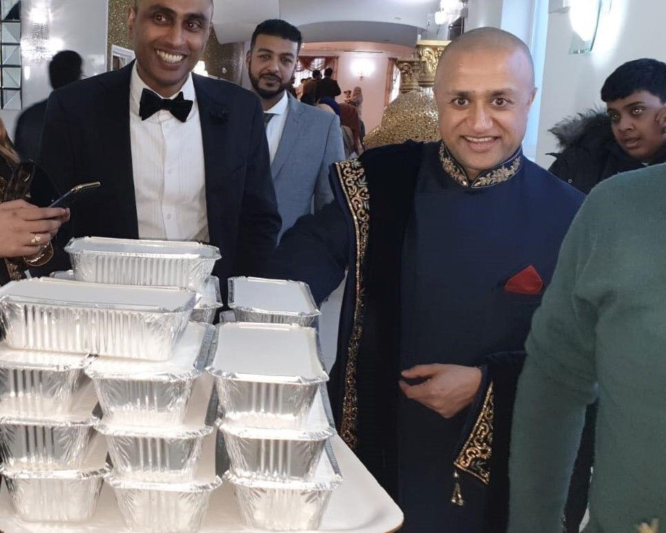 Muslim Couple Share Wedding Buffet With London Homeless About Islam Muslim Couples Newlyweds Couples