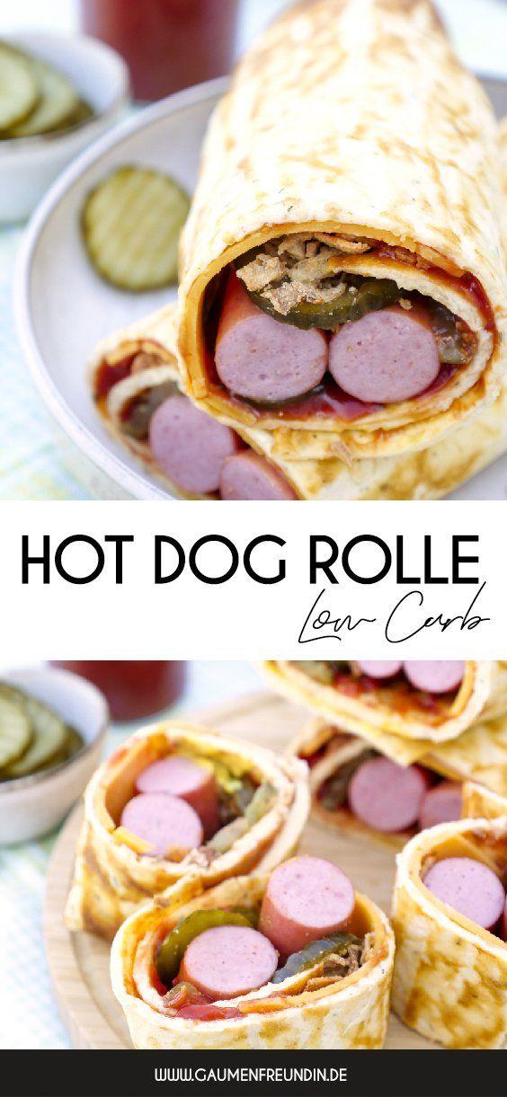 Low Carb Hotdog Rolle mit Würstchen, Gurken und Röstzwiebeln