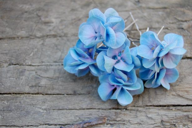 Hydrangea hairpins for the flower girl, bridesmaids and maybe me too!