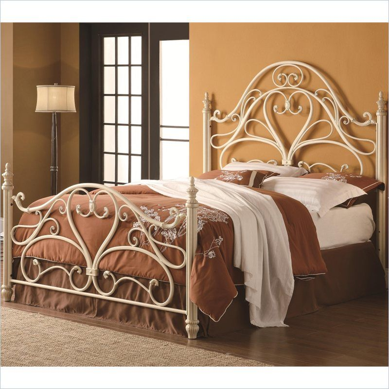 Coaster Queen Ornate Metal Headboard And Footboard In Egg Shell   300264Q