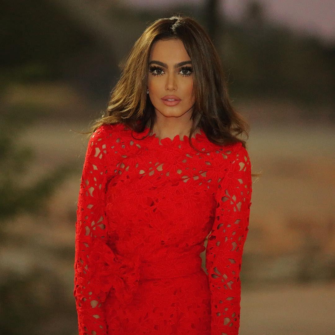 Fatima Almomen فاطمه المؤمن On Instagram عيدكم مبارك و كل سنه وأنتو طيبين Daily Beauty Gorgeous Women Hair Beauty