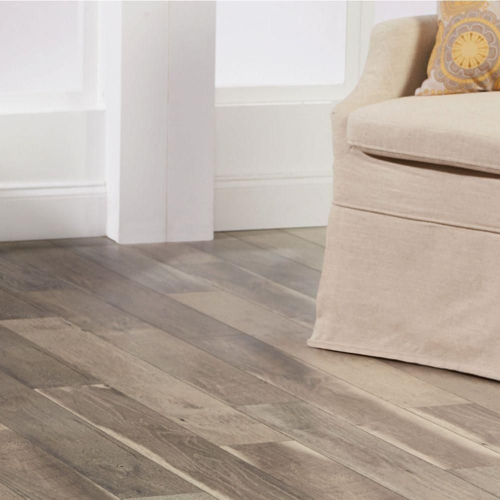 Trafficmaster Cross Sawn Oak Gray 12 Mm Thick X 5 31 32 In Wide X 47 17 32 In Length Laminate Flooring 13 82 Sq Ft Case 368501 00265 The Home Depot In 2021 Flooring Home Decorators Collection Laminate Flooring