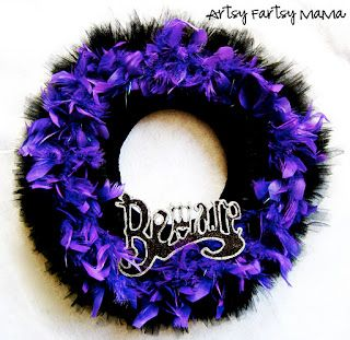 artsy-fartsy mama: Halloween Wreath~could use this idea with different colors and holidays