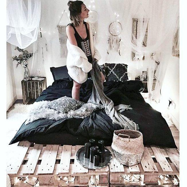 Sprechen Sie in Insta! DIY & Interieur Technik Gruppe von modischen Palettenbett im Ausland vertraut #palletbedroomfurniture