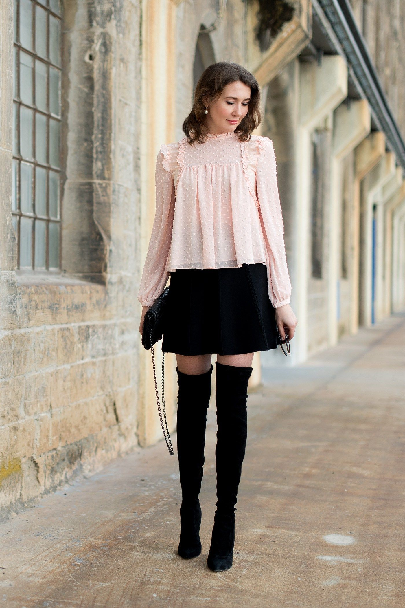 Outfit: Romantic Blouse meets Overknee Boots | Mood For Style  – Fashion Blog from Germany