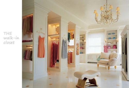 Mariah Carey's Dressing Room. Yes I like her...