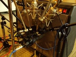 RECORDING GUITAR: SECRETS OF THE PROS
