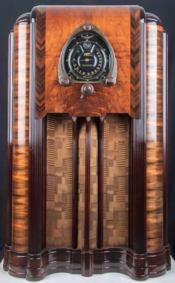 We Have One Just Like This Zenith 12s267 Vintage Radio Art Deco Furniture Art Deco Cabinet