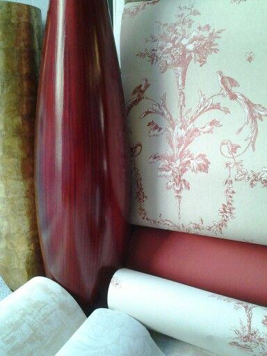 El color burdeos, es perfecto para ambientes clásicos.  Muy combinable con beiges, blancos y dorados.