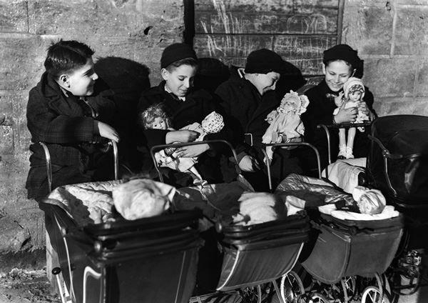 """""""Boys Playing Father"""" - New York City (1944) Photo By Ida Wyman"""