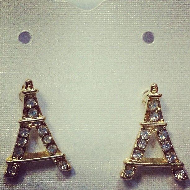 68808895cf9c Aretes de la torre Eiffel con perlitas Medidas  1