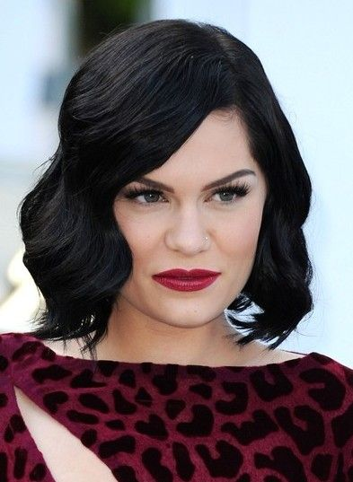 Jessie J Short Hairstyles Popular Haircuts Hairstyle Short Hair Styles Pixie Thick Hair Styles