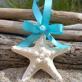 Recordatorio para boda llavero artesanal estrella de mar y cinta