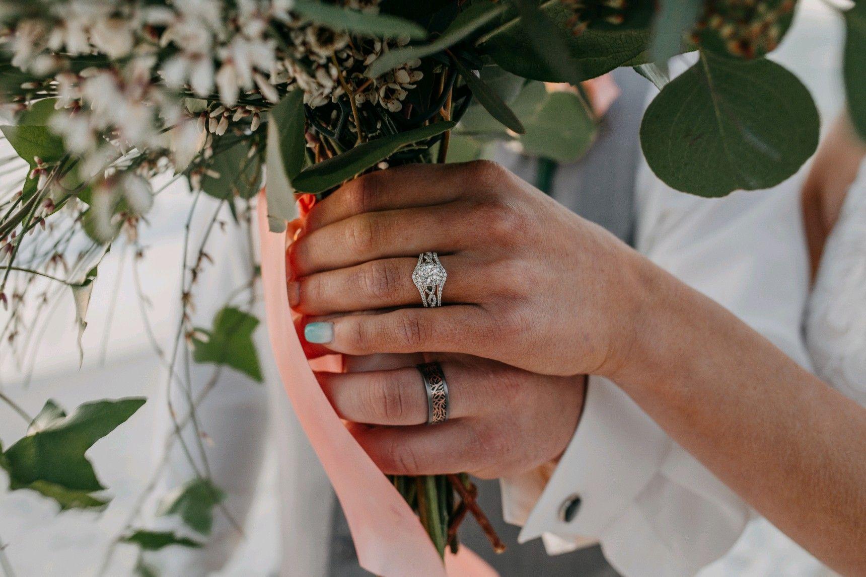 Beach Wedding Rings In 2020 Diamond Engagement Rings Diamond Engagement Rings