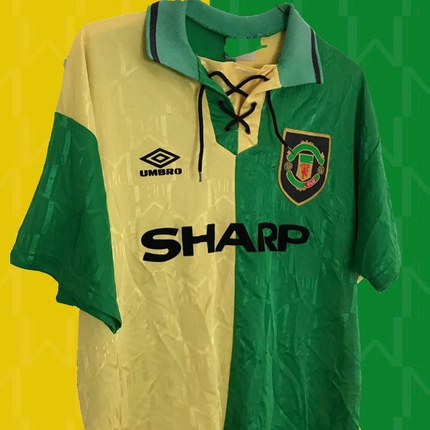 Green And Gold Link In Bio Manchesterunited United Mufc Manchester Umbro Umbrofootball Football Foot Football Shirts Foot Ball Shirt Vintage Football