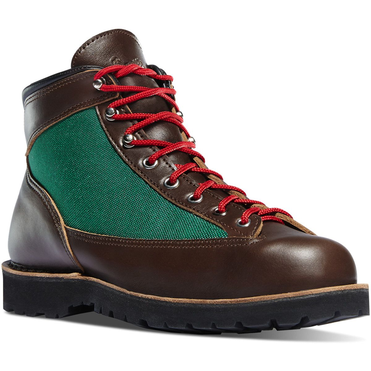 USA Crafted The Danner Ridge Dark Brown is a new style and a collaboration boot with Topo Designs. It has a waterproof and breathable GORE-TEX® liner, which is engineered to keep your feet dry and comfortable even in extreme conditions.