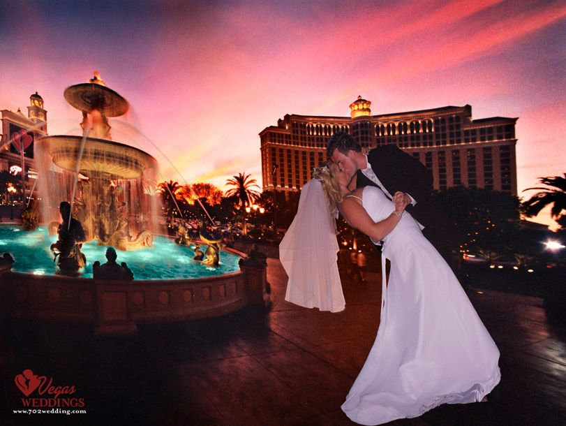 Las Vegas Strip Weddings In A Chapel Limo Helicopter Or By Famous Landmark Simple Elegant Adventurous