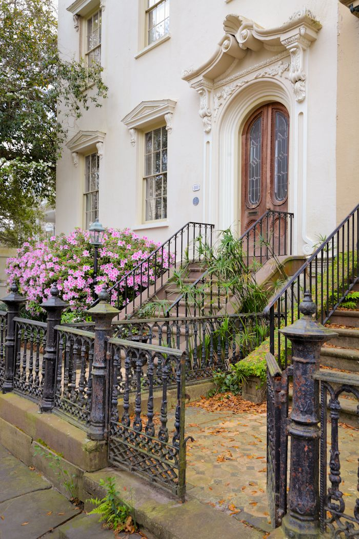 Row house charleston sc charleston sc pinterest for Charleston row houses