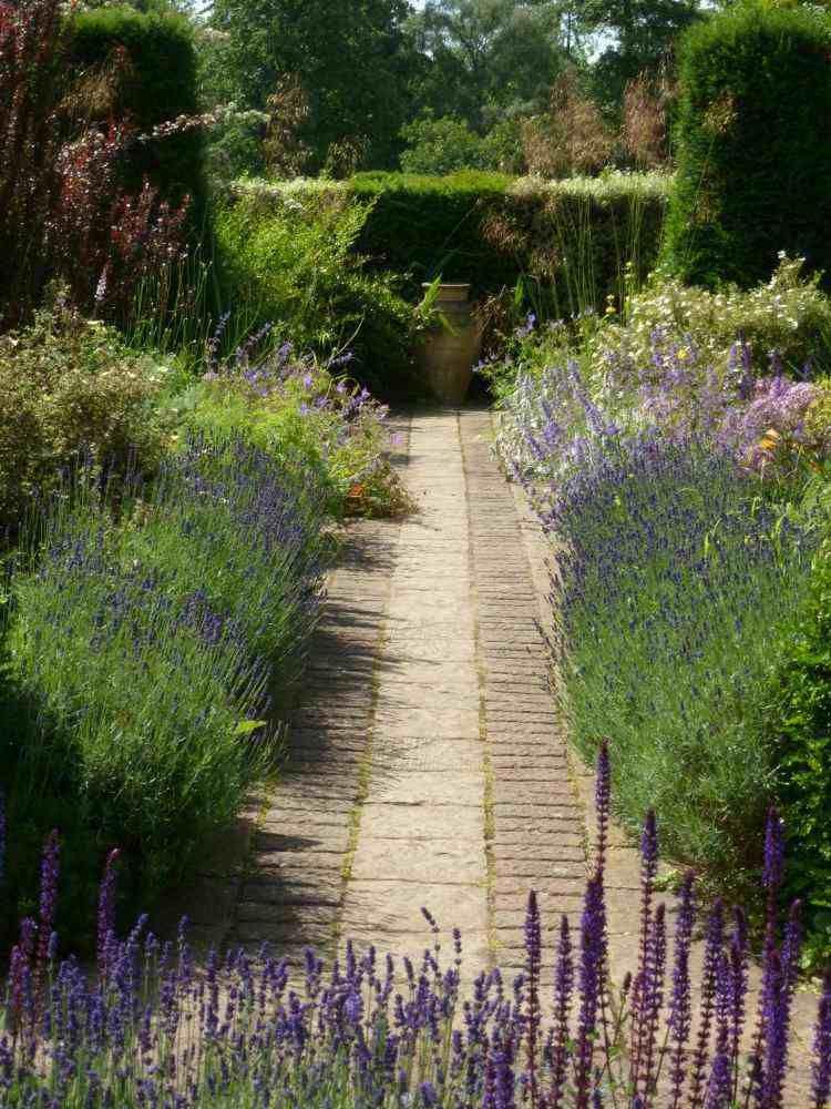 Plantes et aménagement jardin méditerranéen \u2013 79 idées Bissardon - Allee De Jardin En Pave