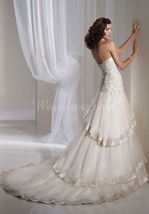 Tulle Princess Sweetheart Sleeveless With Tiers And Beads Wedding Dress picture 2