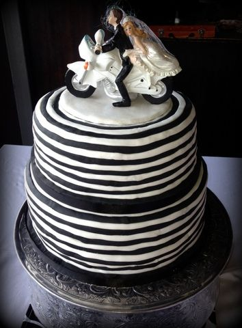 motorbike wedding cake motorcycle wedding cake delicious treats cakes 17597
