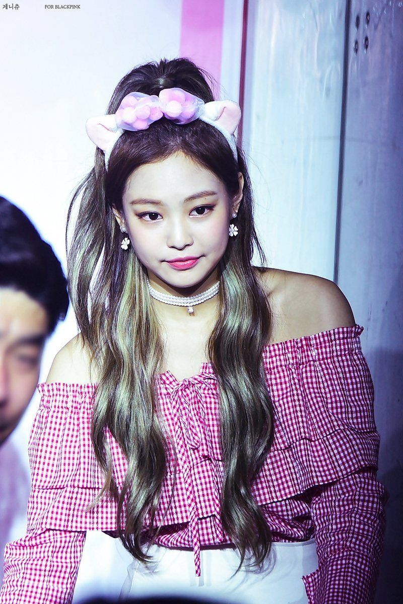 Blackpink Jennie And Rose S Latest Fan Sign Looks Have Fans Falling For Stunning Visuals All Over Again Koreaboo Blackpink Jennie Kpop Girls Blackpink