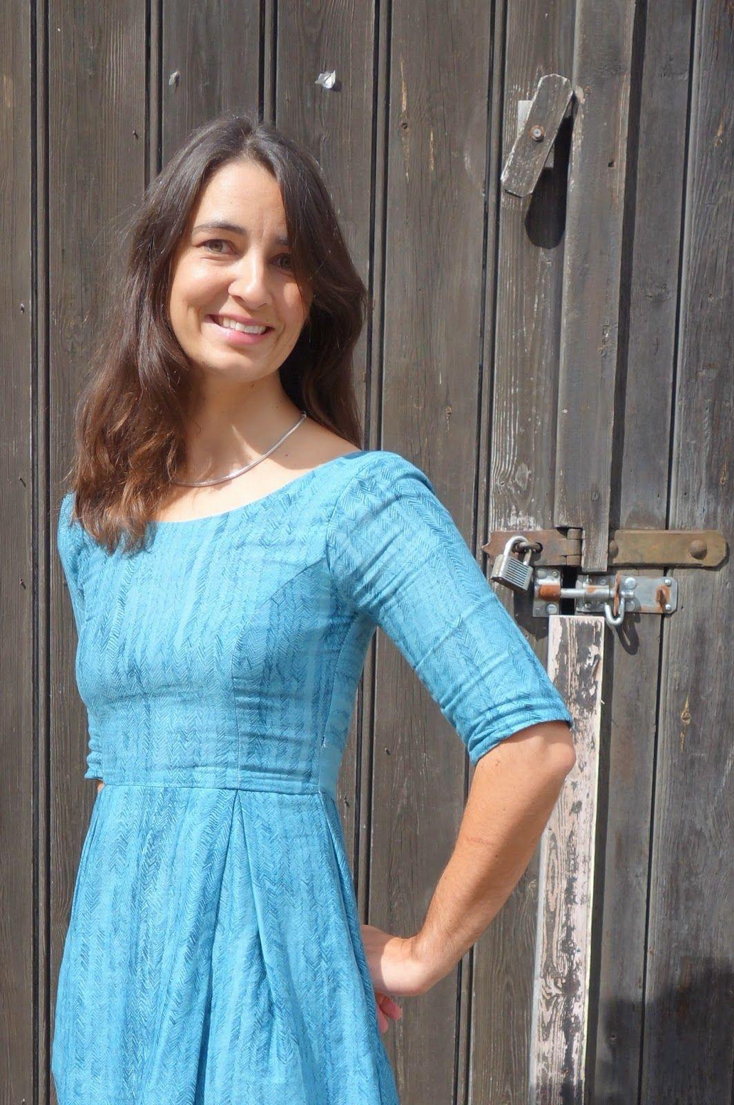 212b00e303c Nani Iro Elisalex Dress - double gauze can work for fitted garments too!