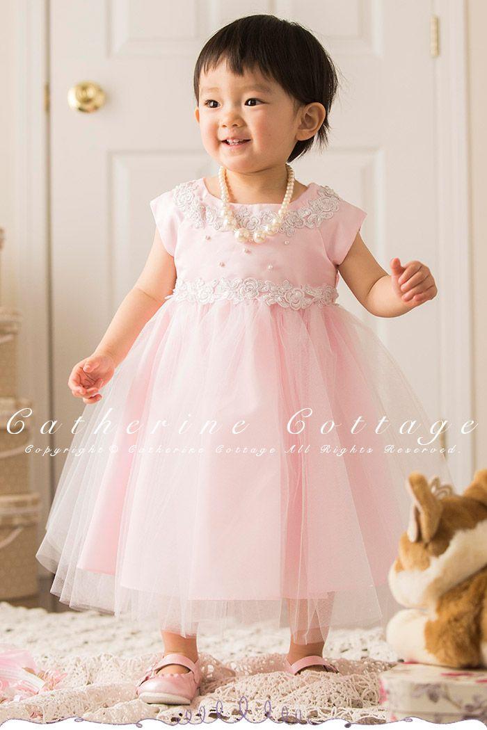 入学式・卒業式用スーツや結婚式・発表会用のドレス・ワンピースを特別価格で販売しています。