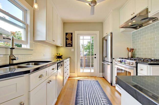 4 Decorating Ideas \u2013 How to Make a Galley Kitchen Look Bigger - fliesenspiegel in der küche