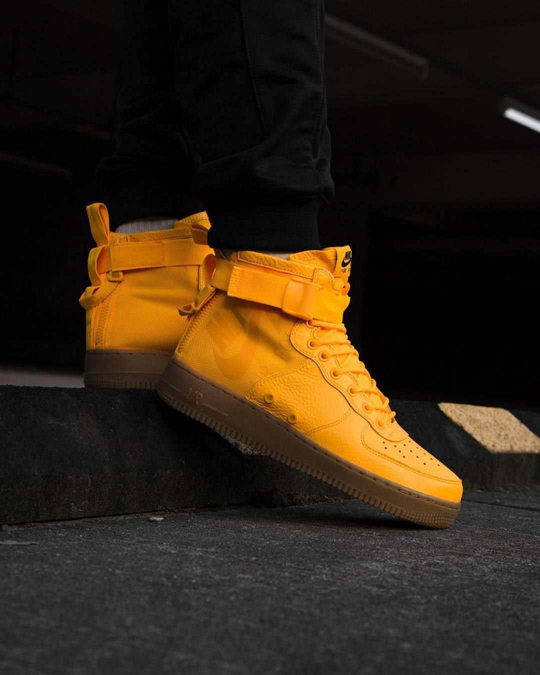 Air Force 1 SF Mid \