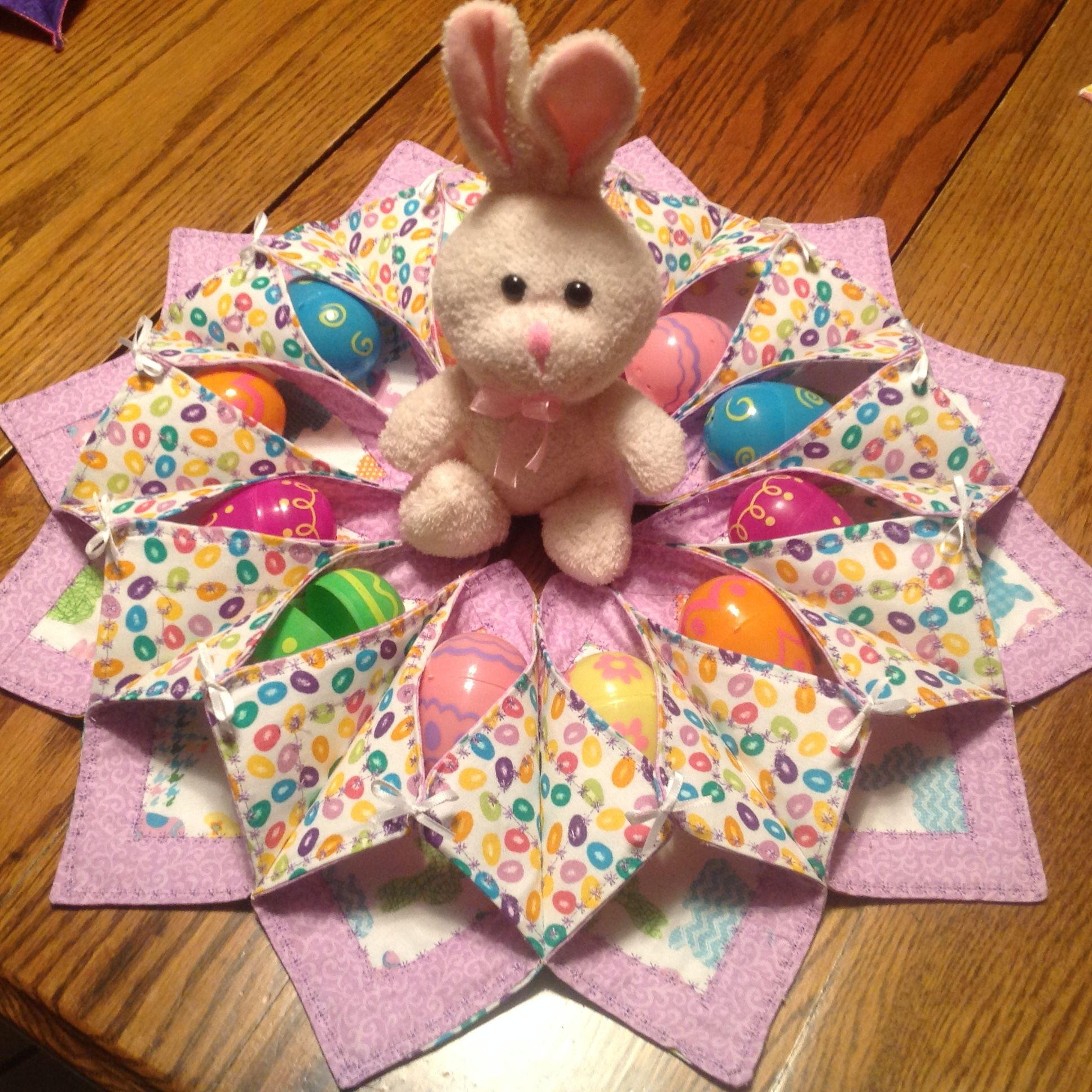 Easter Table Decoration Easter Table Decorations Easter Projects Easter Placemats