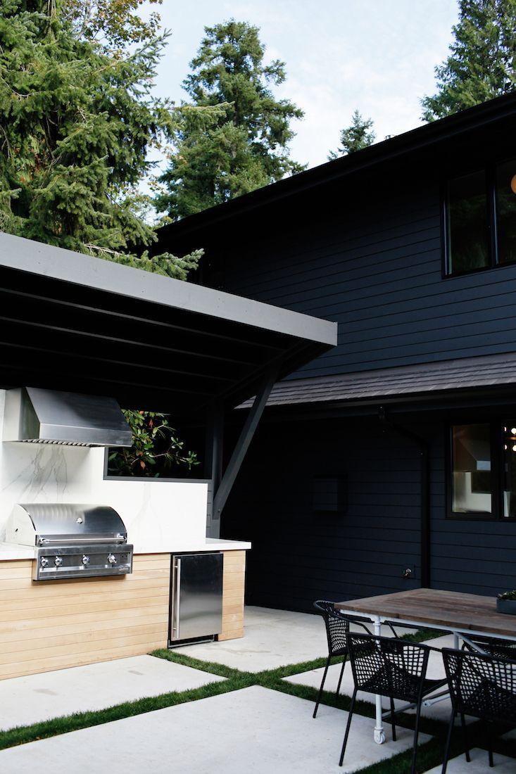 Sleekness In Seattle Modern Garden Midcentury House Gardenista Outdoor Kitchen Design Outdoor Design Outdoor Kitchen
